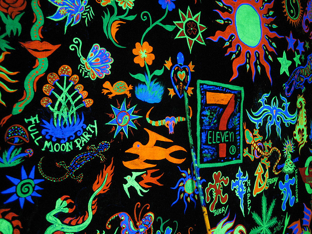 full moon party neon