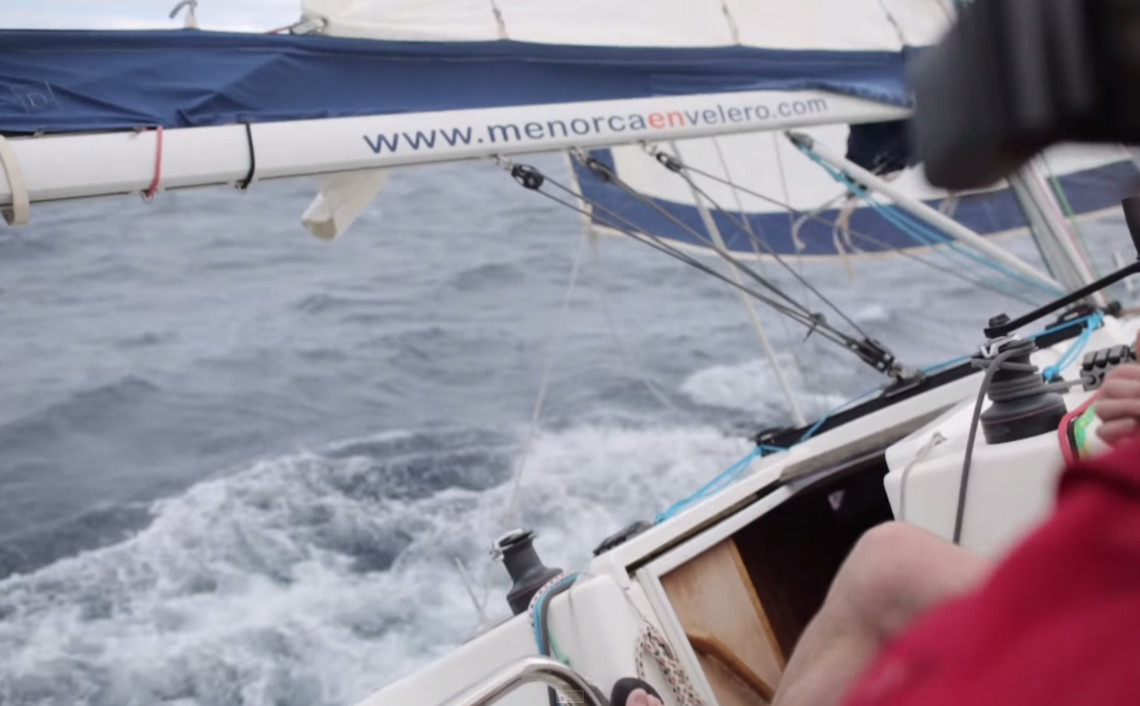 Sailing boat angle